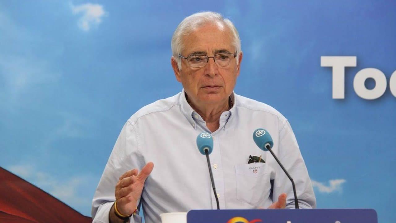 Imbroda instó al PSOE a apoyar una moción de censura inmediata contra su sucesor