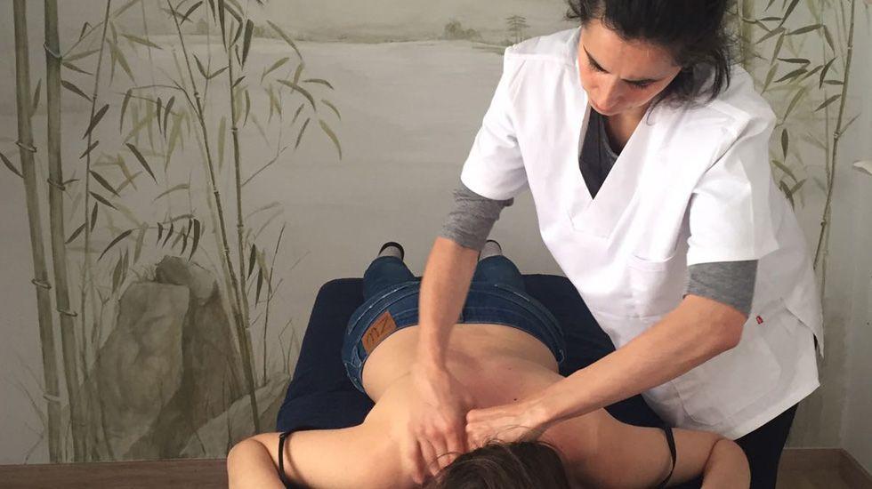Una de las sesiones terapéuticas en la Casona de Amandi.Una de las sesiones terapéuticas en la Casona de Amandi