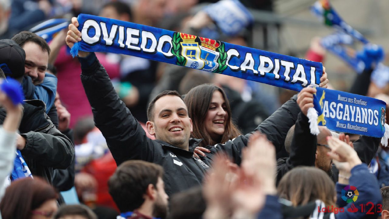 Lugo Real Oviedo Anxo Carro aficion.Aficionados del Real Oviedo celebran la victoria en el Anxo Carro