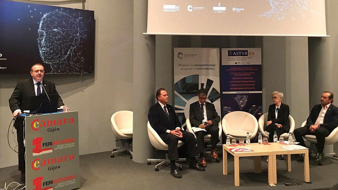 Isaac Pola, consejero de Empleo, Industria y Turismo en el IV Foro TIC en Gijón