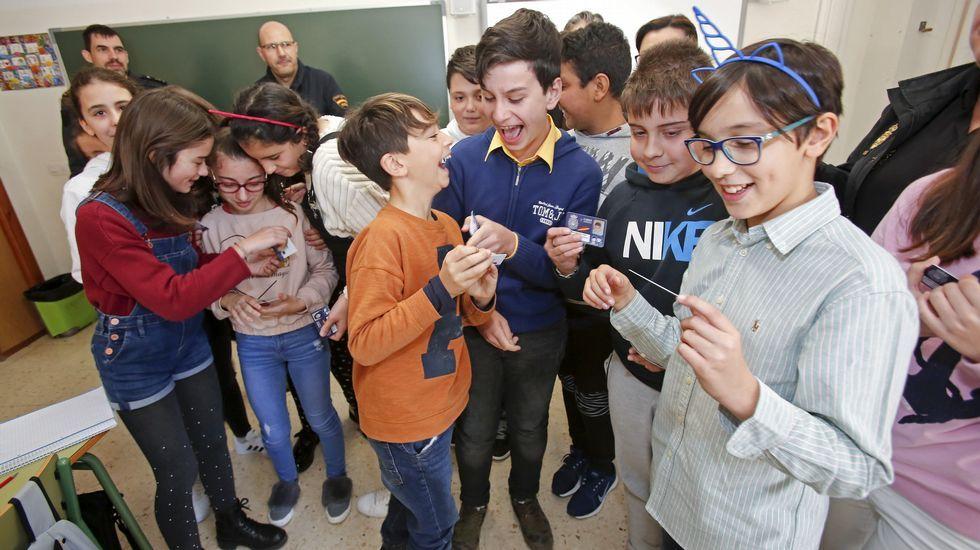 Entrega de carnets de ciberexperto en el colegio de Ponte Sampaio
