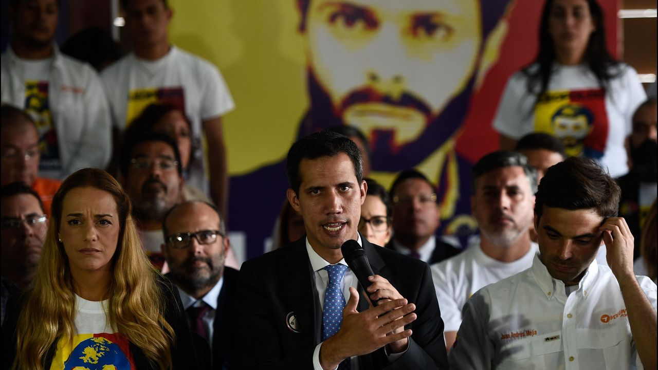 Guaidó, ha lamentado este lunes la «injusta» detención de su compañero de partido, Leopoldo López, que el lunes cumplió cinco años preso