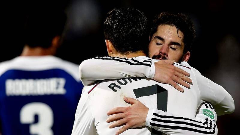 Real Madrid-San Lorenzo, en imágenes.Carlo Ancelotti da instrucciones a sus jugadores durante un partido. <span lang= es-es >afp</span>