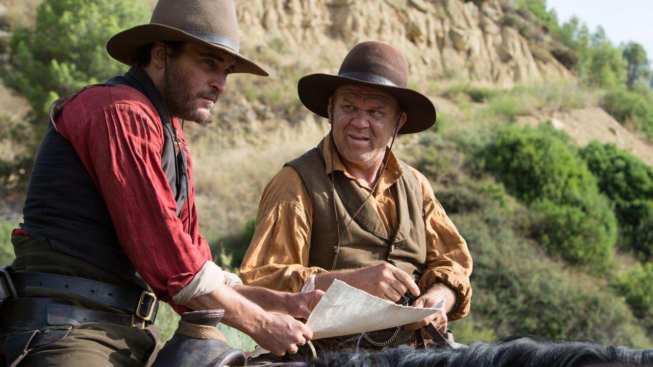nuno.Joaquin Phoenix (izquierda) y John C. Reilly interpretan a los hermanos Sisters