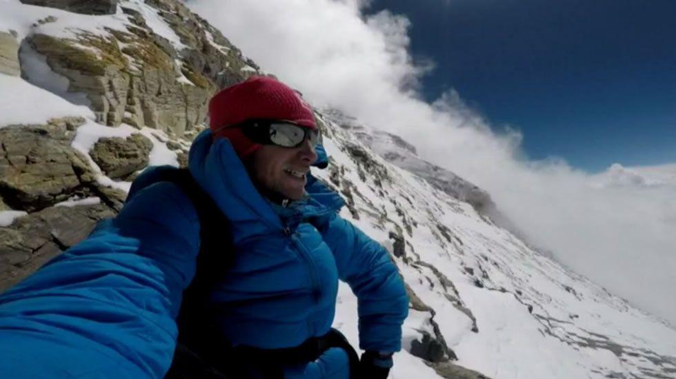 Primeras imágenes del ascenso de Kilian Jornet al Everest.Calle Santo Tomás en Monte Alto