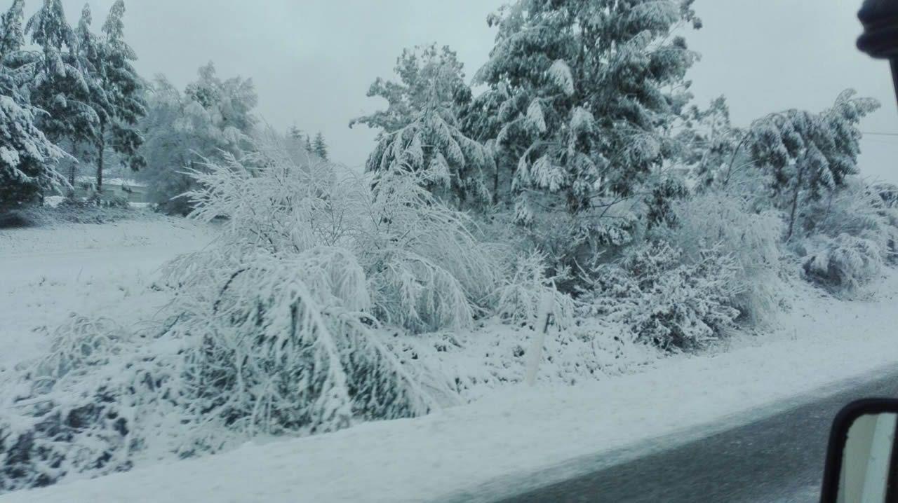 .Nacional VI, subida a Teixeiro con nieve esta mañana