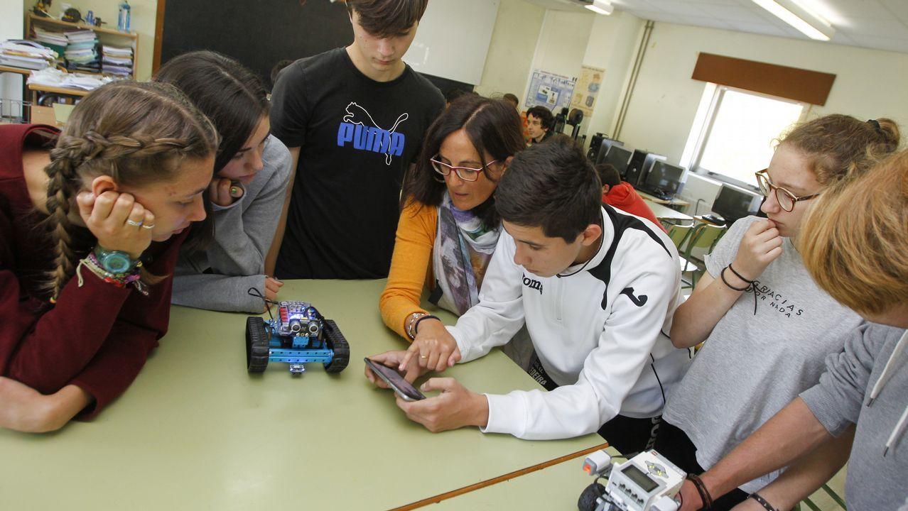 La Voz en una clase de robótica: «Cuando trabaje todo será tecnología»