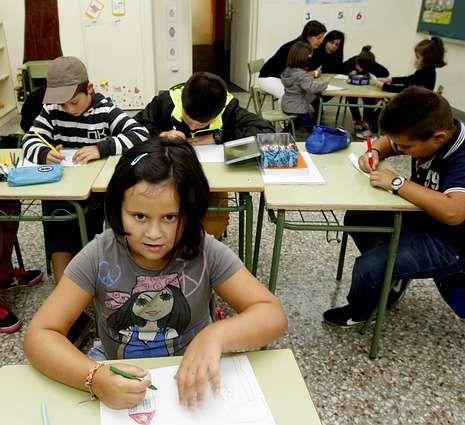 Los niños gallegos vuelven al cole.El pasado curso había once alumnos matriculados.