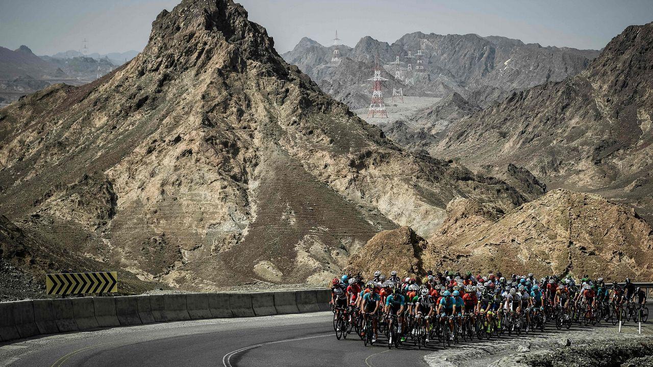 Un pelotón durante el Tour de Oman.