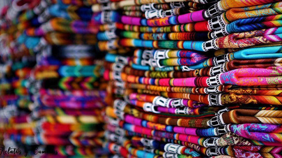 Mercado de artesanía en Otavalo