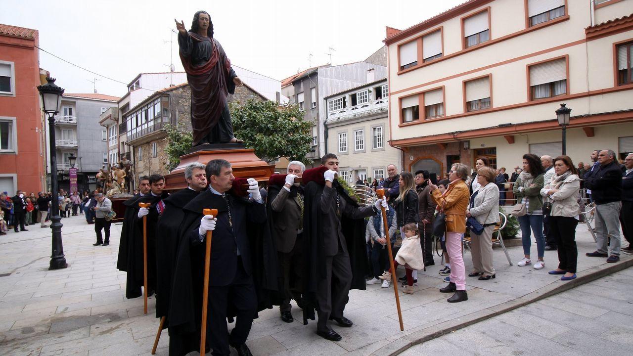 Domingo de Ramos.Ismael, junto al paso de La Piedad, disfruta con los preparativos y viendo las procesiones