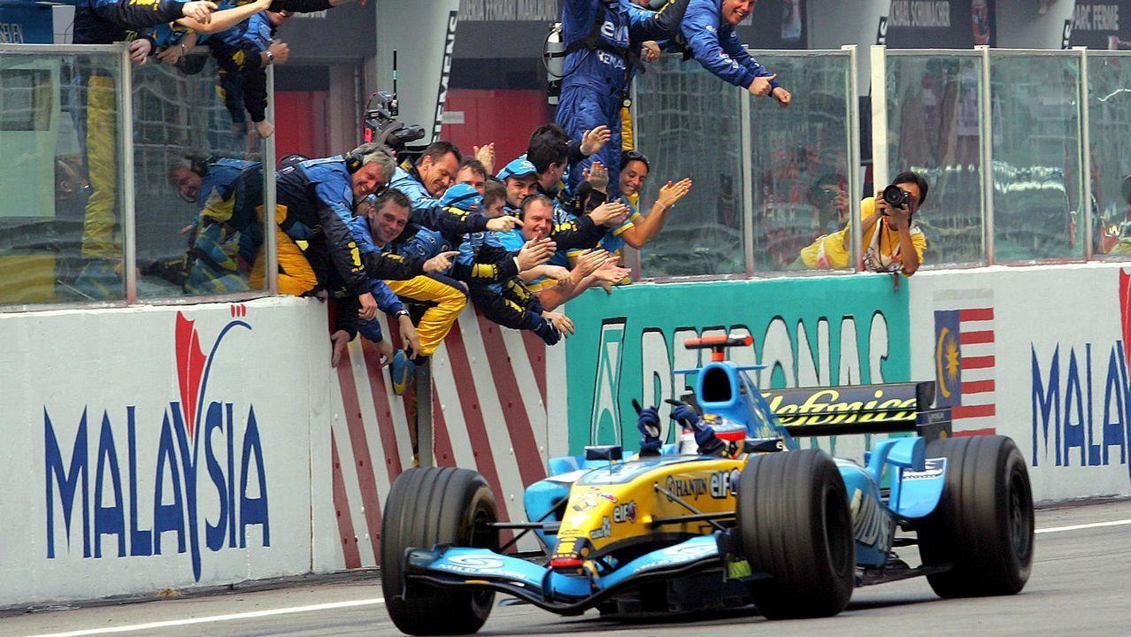 .Alonso celebrando una victoria en Sepang con Renault