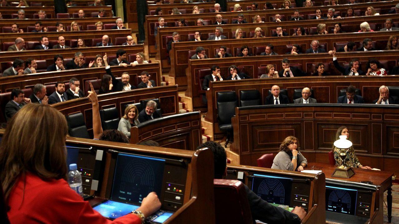 Dolors Montserrat se lía al denunciar la descoordinación del Gobierno.Ignacio Cosidó, portavoz del PP en el Senado