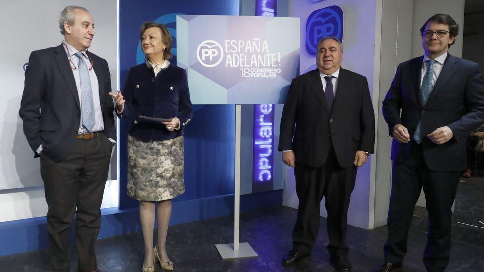 Rajoy buscará una reparac «jurídica y moral» para las víctimas del Yak-42.Fernández, Cospedal y López Ares