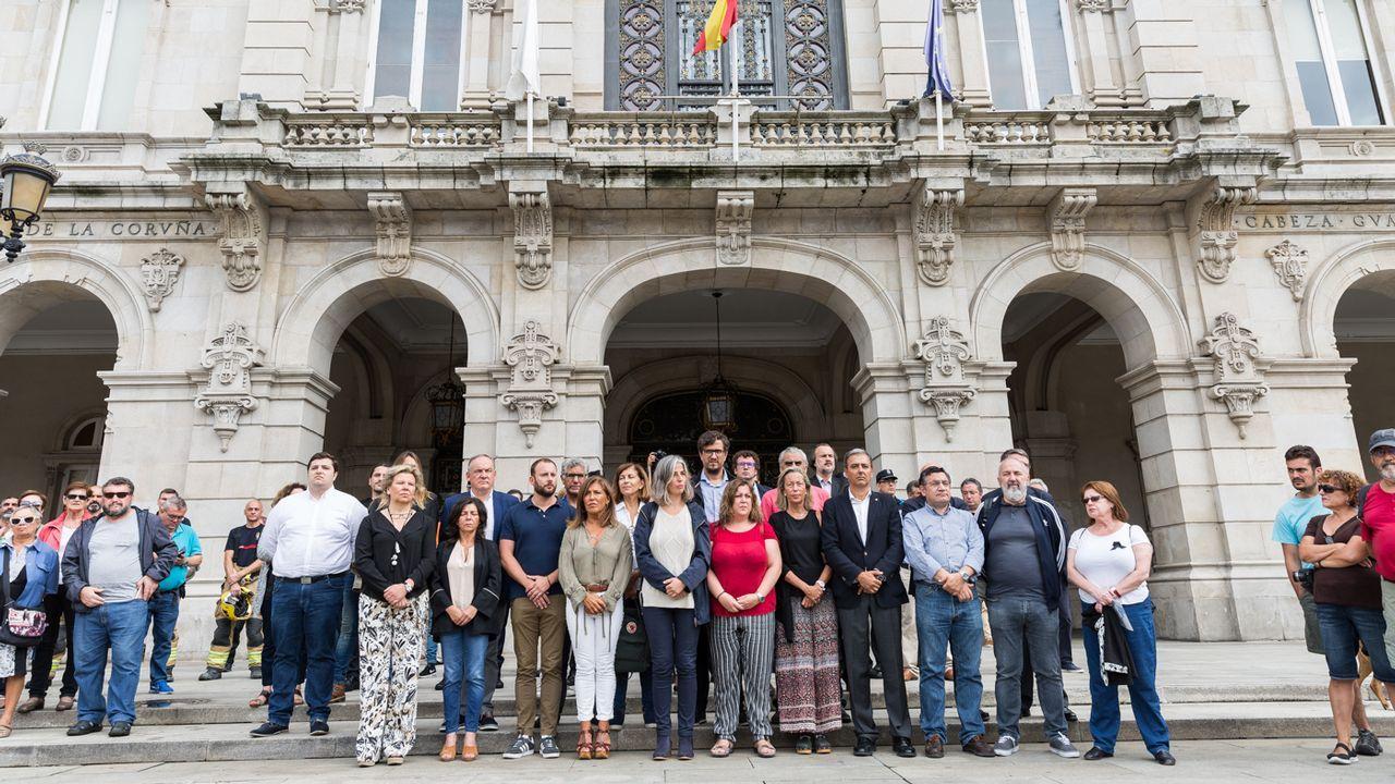 .Minuto de silencio por el atentado de Barcelona en María Pita, A Coruña