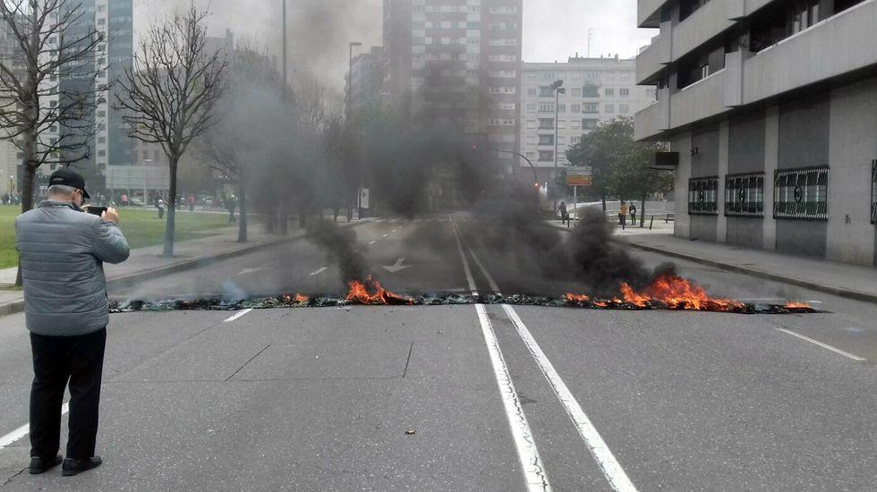 Primero de Mayo en Gijón:consignas, humoy escraches.