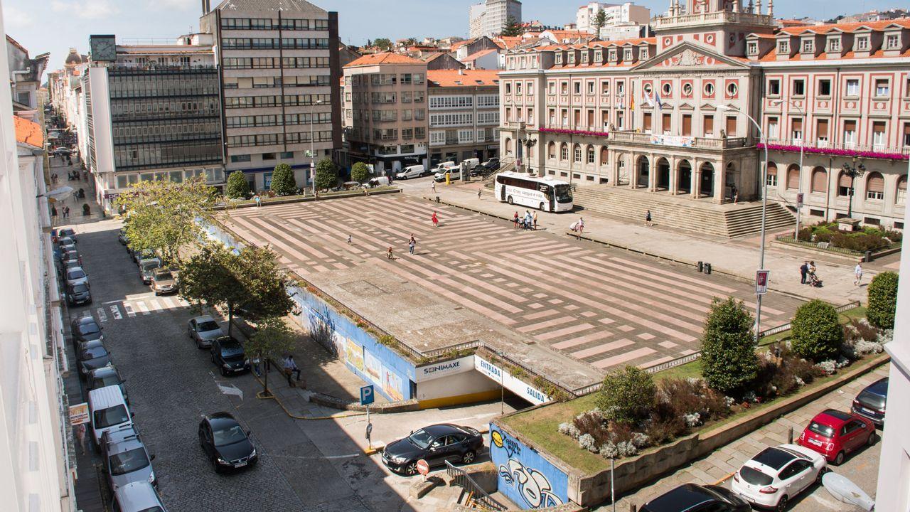 Agosto de 2018. La plaza actual, el mismo día del cierre del estacionamiento subterráneo y de que el tramo de la calle Real por el que se accede se convierta en peatonal.