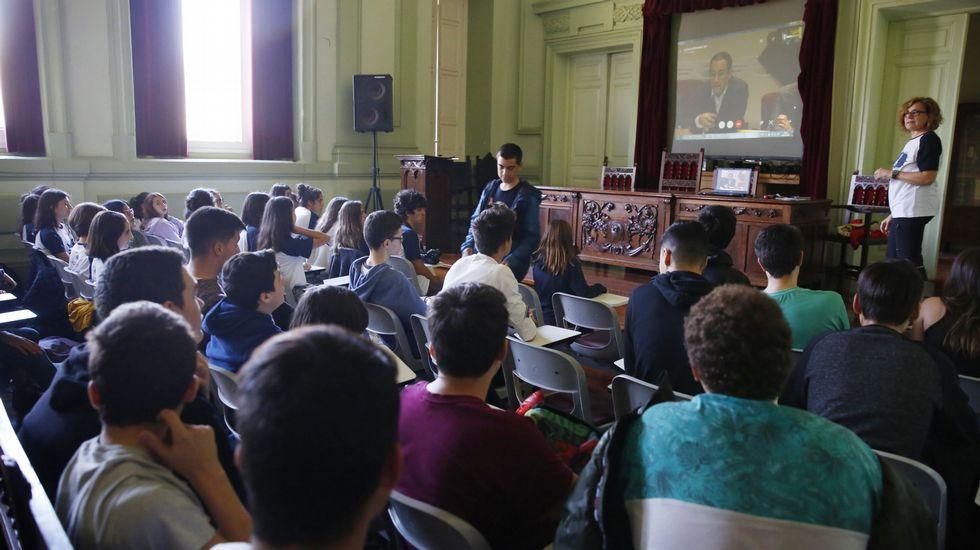 Club de ciencia del colegio de Mosteiro.Las huelgas contra la Lomce se repiten cada curso desde el 2012/13, cuando se aprobó