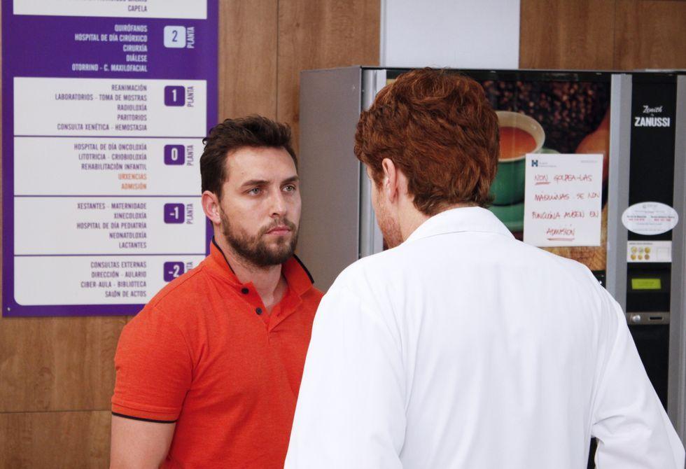 Rubén Riós interpreta na seria á parella dunha moza ingresada á espera dunha doazón.