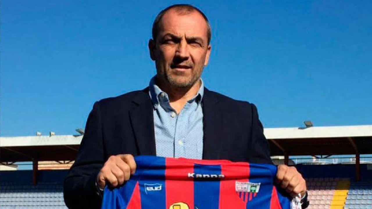 Alfonso Herrero Folch Cotugno Real Oviedo Huesca Carlos Tartiere.Juan Sabas
