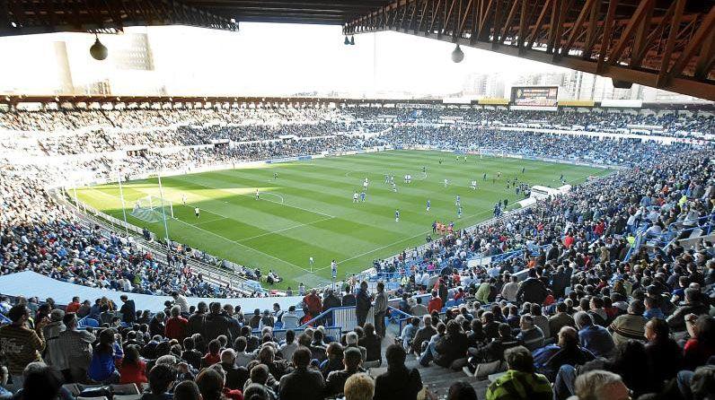 Rocha Real Oviedo Requexon.La Romareda llena durante un partido