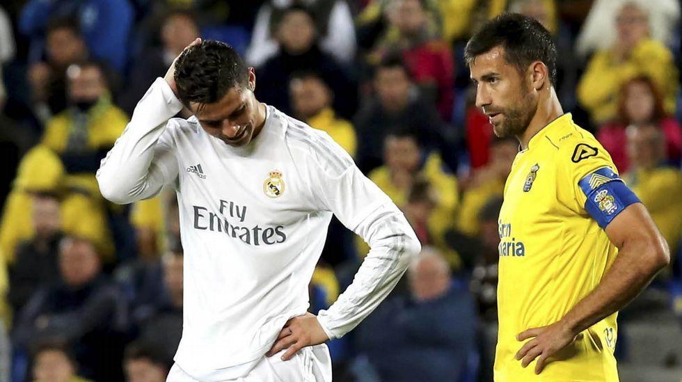 El Real Madrid toma contacto con el césped del Volkswagen Arena.En el comedor social de San Francisco ayer se sirvieron más de cien platos de fabada de Marcón.