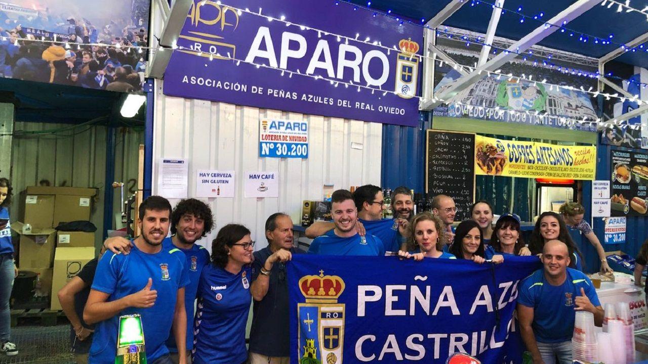 Anquela Real Oviedo Zaragoza Carlos Tartiere.Integrantes de la Peña Azul Castrillón