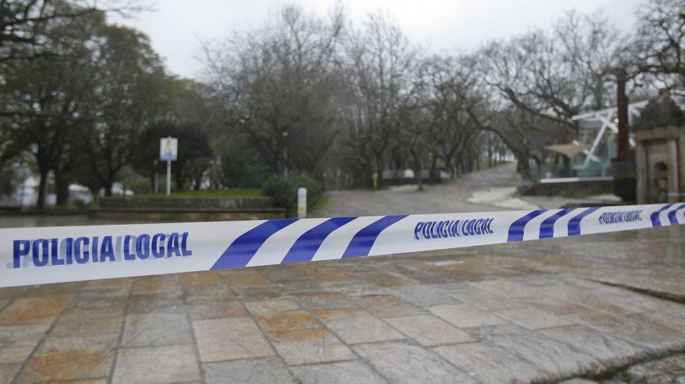 Los efectos del temporal en la Alameda de Santiago, cerrada.Los efectos del temporal en la Alameda de Santiago