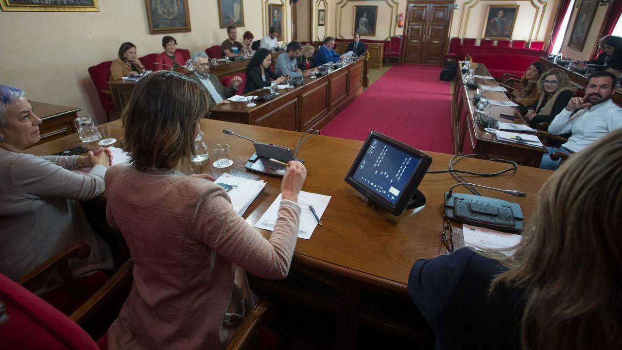 Estimación de voto en A Coruña.Abel Caballero, Pedro Sánchez y Gonzalo Caballero, en un mitin celebrado en Vigo