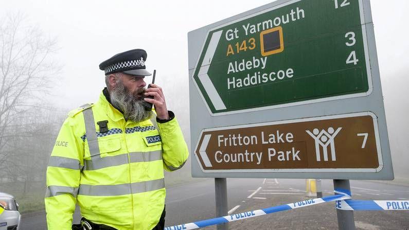Reino Unido legaliza el matrimonio gay.Un policía en el lugar del accidente