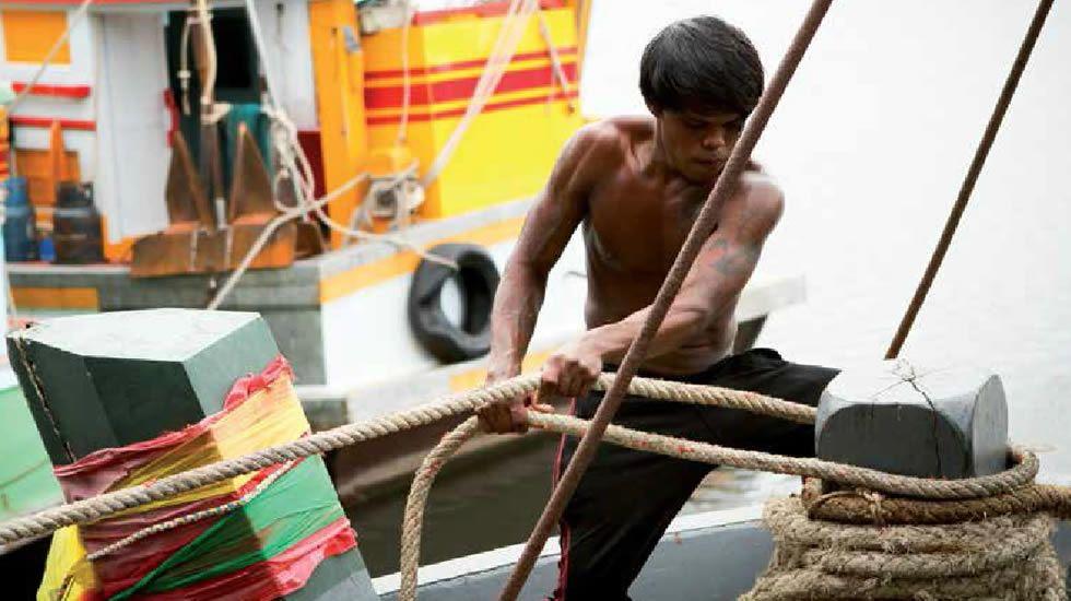 Los tatuajes de Beckham protagonizan una campaña contra el maltrato infantil.Operación contra los piratas en el Índico