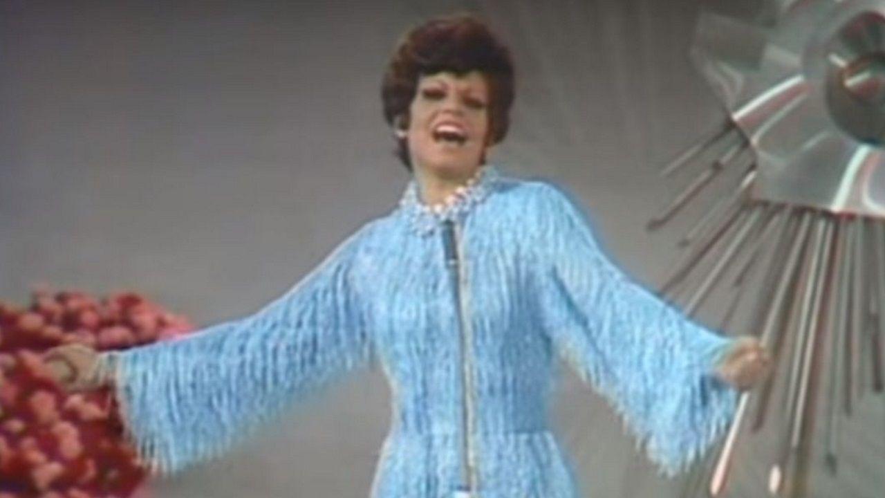 Miki canta «La Venda» en la Pre Party Es.Una de las puestas en escena de Fokas Evangelinos en Eurovisión, la de Azerbaiyán en el 2013