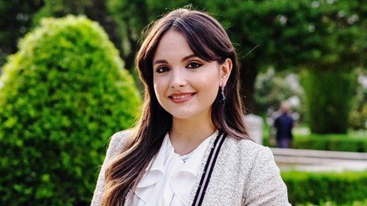 Pequeñas grandes voces en Rockschool.Mari Paz Moreno acaba de abrir junto a otros tres socios el Boa Onda en el local del antiguo Lume Boo