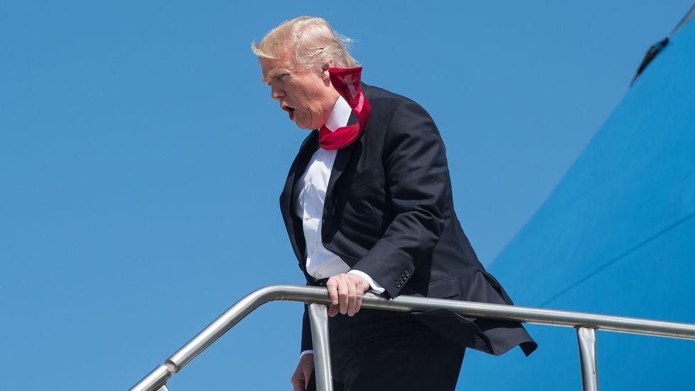 Una diputada de En Marea, obligada a volver de Nueva York para votar el decreto de la estiba.Donald Trump