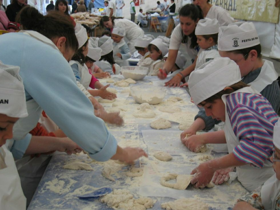.Obradoiro infantil de pan de Carral en una edición anterior.