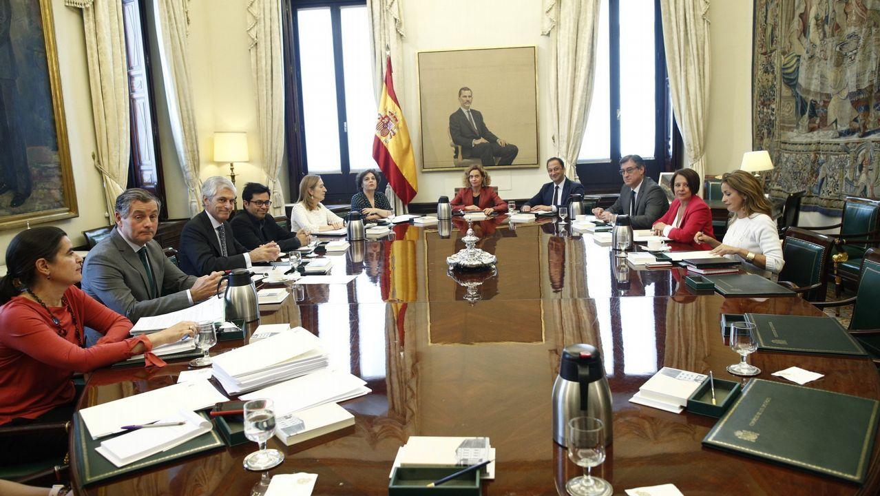 EN DIRECTO: Pedro Sánchez comparece después de que el rey le haya encargado formar Gobierno.Felipe VI recibe a Meritxell Batet, que le trasladó al rey la constitución del Parlamento