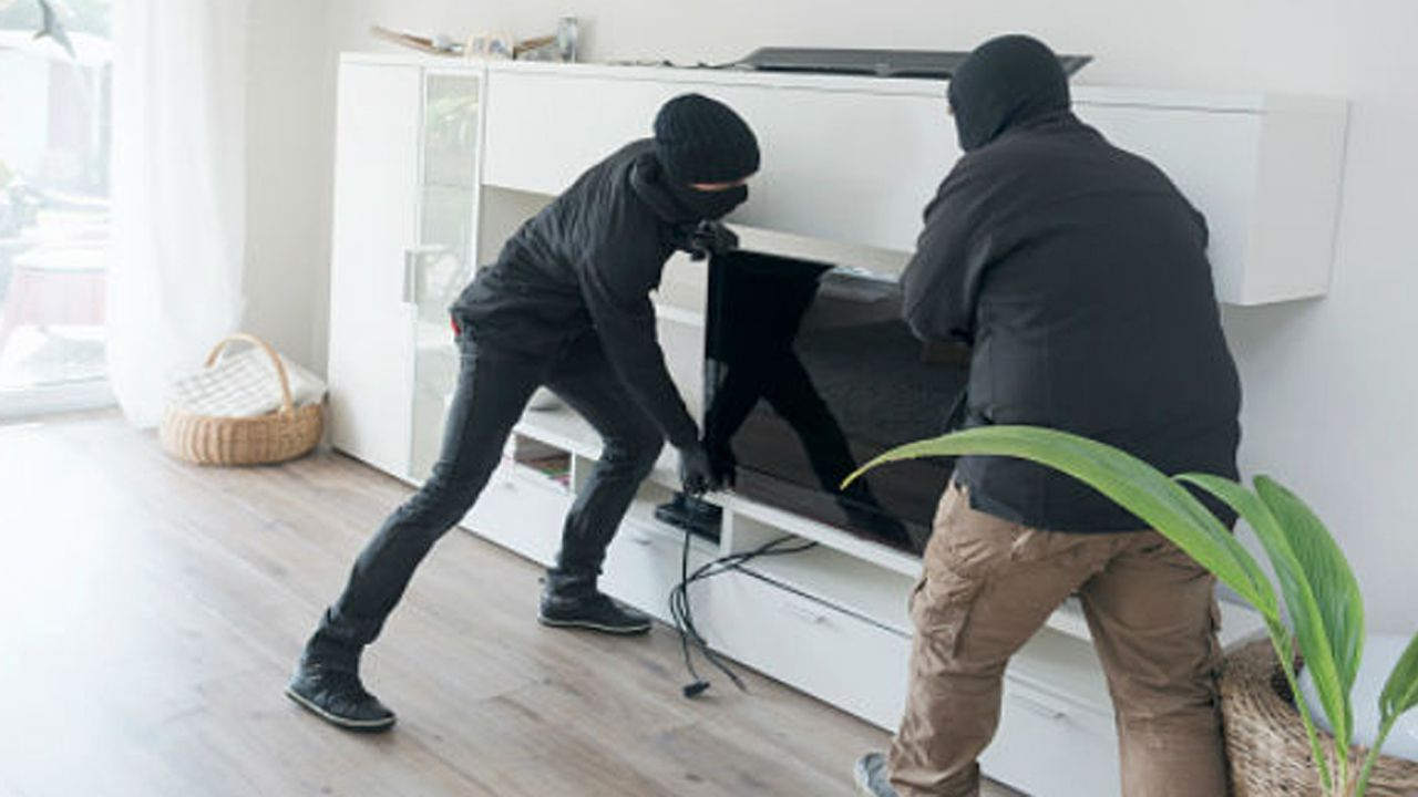 Robo en casa ladrones seguridad forzar.Llamazares, en un mitin junto a Daniel Ripa y Alberto Garzón, en Gijón
