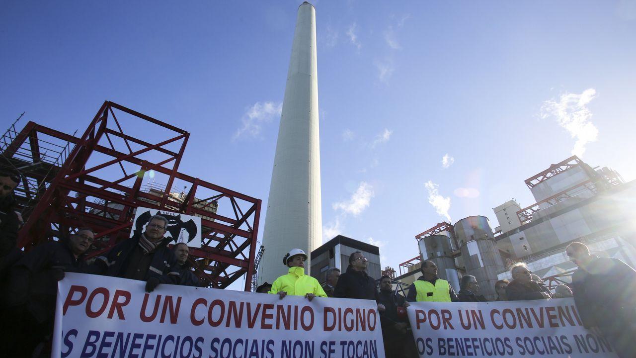 Entrega del BAM Furor a la Armada en Ferrol.De izquierda a derecha, Guillermo Ferrándiz, Borja San Ramón, Susana López y Rafael Pillado