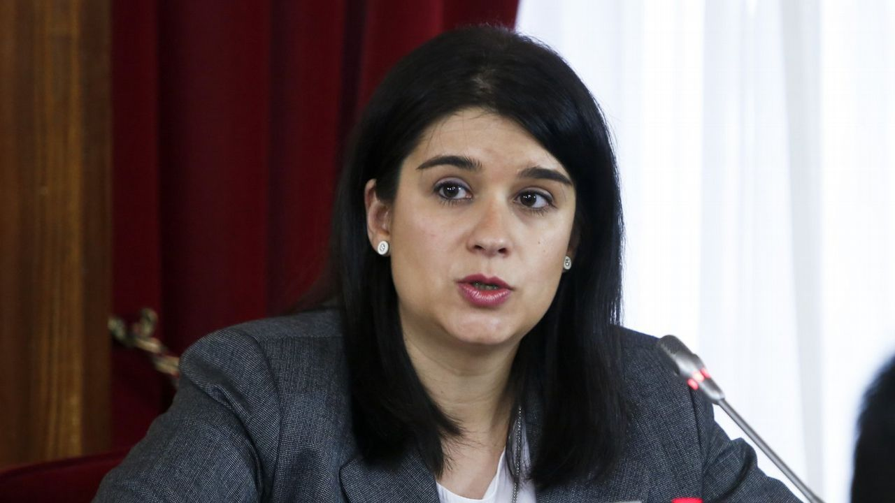 Olga Louzao, durante un pleno en el concello de Lugo