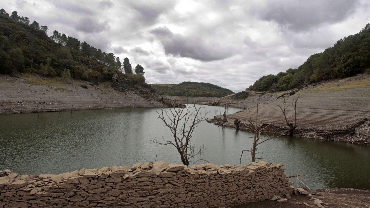 El suelo gallego agrava los efectos de la sequía.