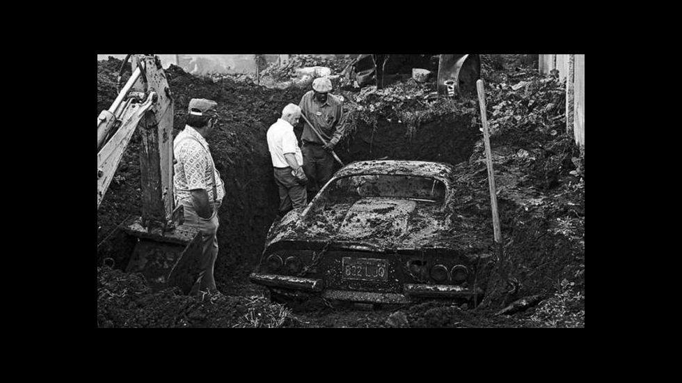 Ferrari Dino 246 GTS enterrado en Los Ángeles.
