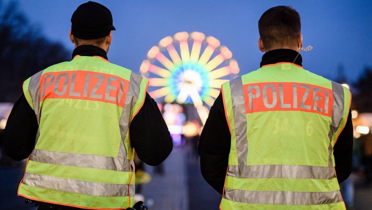 Policias alemanes en Nochevieja en Berlín