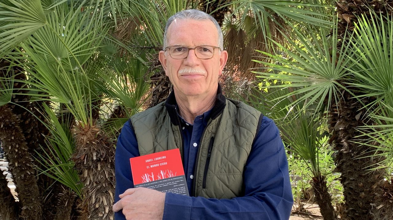 Vargas Llosa, en la librería Arenas.
