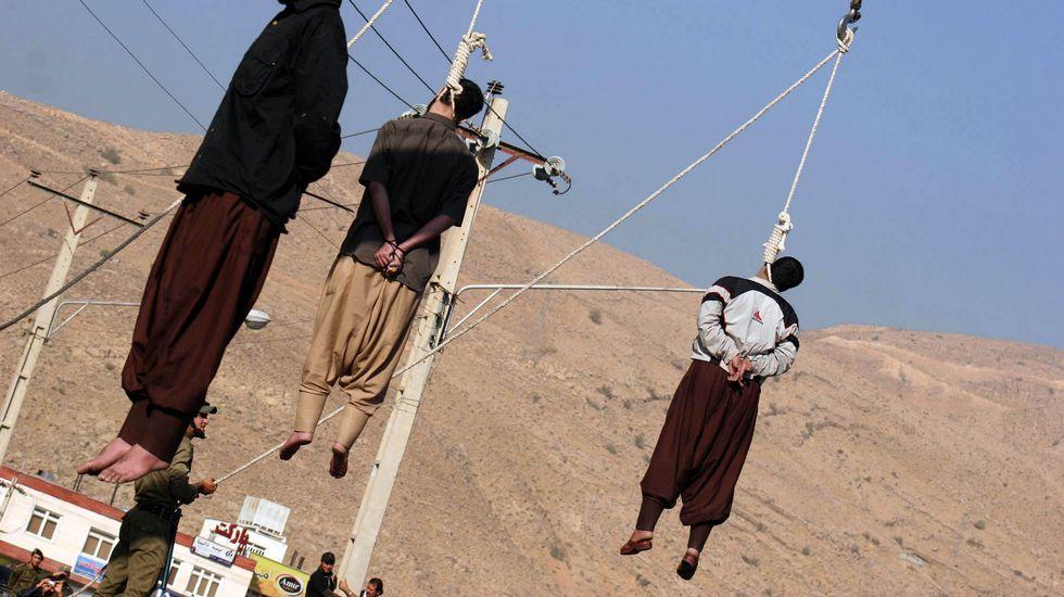 .Ejecución en Irán de varios ladrones, en una fotografía de archivo.