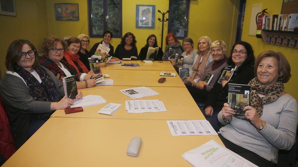 Integrantes del Club de lectura Rialeda en Oleiros