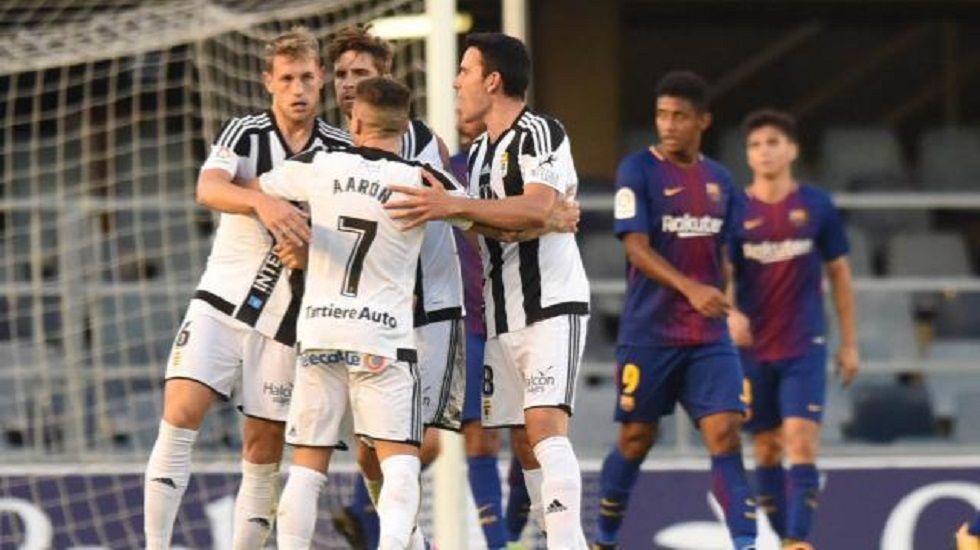 Carlos Hernandez Horizontal.Los jugadores del Real Oviedo celebran el gol del empate