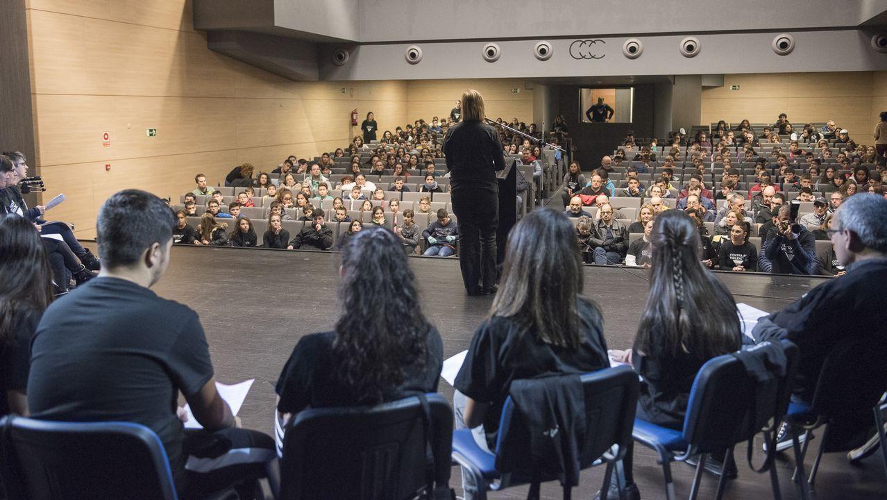 Lectura del manifiesto contra las violencias en Cee