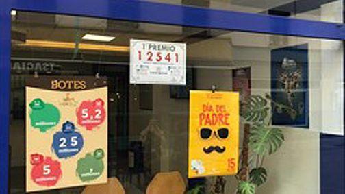 La Lotería Nacional deja en Oviedo parte del primer premio y el segundo íntegro