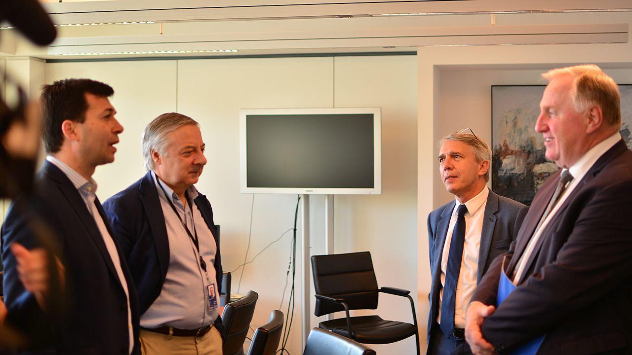 Subdelegados Gobierno.Gonzalo Caballero, junto a Pepe Blanco, en la reunión con Karl-Heinz Lambertz, presidente del Comité Europeo de las Regiones