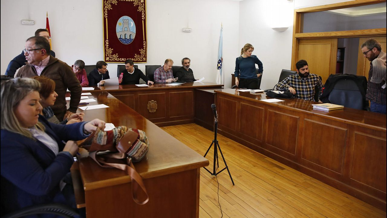 Pleno municipal en Ribadavia